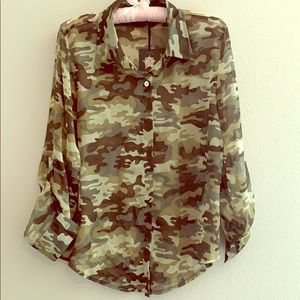 Camo Living Doll Los Angeles ladies blouse